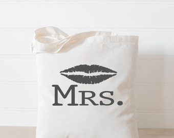 Tote Bag, Mrs with Lips, present, housewarming gift, wedding favor, bridesmaid gift, women's gift