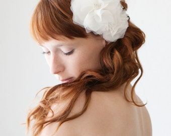 Silk Flower Bridal Hair Comb, Ivory Floral Wedding Headpiece, Crystal Bridal Headpiece, Silk Flower Wedding Hair Comb - Morning Blossom