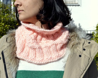 Wool Scarf. Knitted Neck Warmer. Stylish  knitted scarf. Pink Neck Warmer. Winter accessories