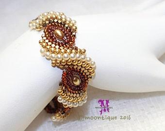 CurlyShells Beaded Bracelet Tutorial