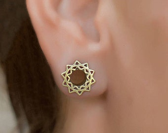 Gold Flower Mandala Ear Tunnel. 6mm-2g Tribal Ear Tunnel. Plags Gauges. 2g Tunnel. Gauge jewellery. brass ear tunnels