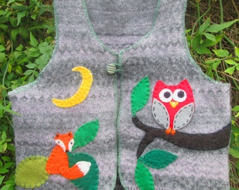 Little boys childs toddlers felted recycled upcycled repurposed grey green sleeveless lambswool sweater jacket woodland creatures scene OOAK
