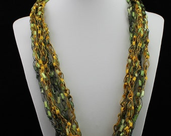 Ladder Yarn Crocheted Necklace - Green Bay Packers - Trellis Yarn - Green and Gold
