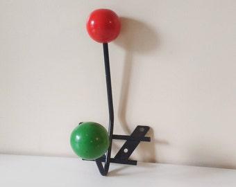 Vintage atomic peg/rack wooden balls - France - 1950's