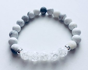 Howlite and Crystal Gemstone Bracelet