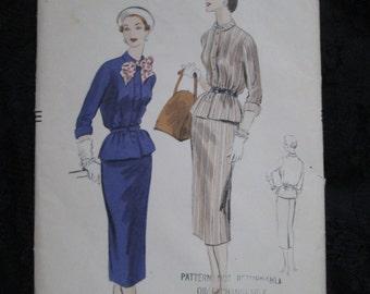 1954 VOGUE Ladies PATTERN Two Piece Dress