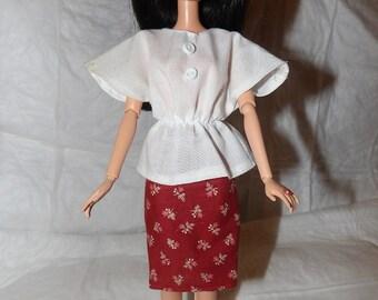 Dessus aile chauve-souris blanche avec boutons & rouille jupe florale pour les poupées de mode - ed828