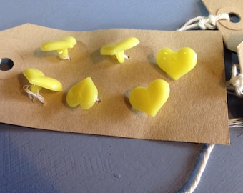 Vintage  yellow heart buttons x 12