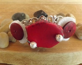 beautiful and original red/Pearl/silver bracelet