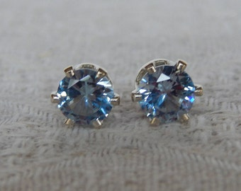 Aquamarine 8 mm Studs, Aquamarine Stud Earrings, Aquamarine Posts, Aquamarine Post Earrings, March Birthstone, Lab Created Aquamarine