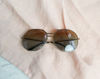 Rounded 70s sunglasses | Gold frame 70s shades | Vintage sunglasses
