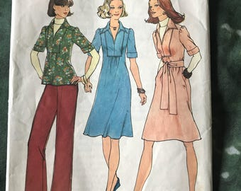 Simplicity ladies dressmaking pattern original 1970's dresses