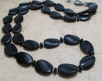 Black Twisted Glass Oval Necklace Lanyard