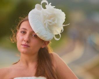 Bridal flower fascinator - White flower fascinator - Oversize bridal fascinator - Handmade pillbox