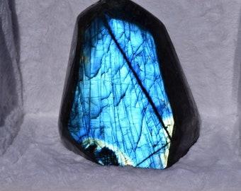 Free form Labradorite
