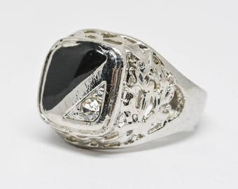 Large silver tone mans ring