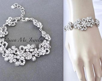 Crystal bracelet for a bride Brides crystal bracelet Crystal wedding bracelet Crystal statement bracelet Bridal Bridesmaids jewelry  MEG