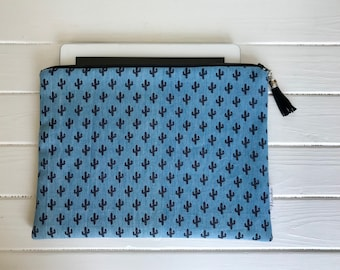 Holder for ipad air. Fleece. Tablet cover. Tablet cover. zipper pouch. IPad pouch.
