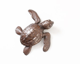 Turtle hatchling facing right Open Edition Bronze