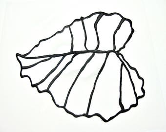 BLACK TEXTURED VISCOSE THREAD EMBROIDERED LEAF APPLIQUE ALL CARRIERS WALLS AND TEXTILE INSIDE 14/16 CM