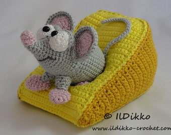 Amigurumi Crochet Pattern - Manfred the Mouse - English Version