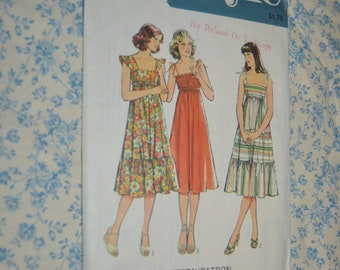 Vintage 70s Style 2318 Misses Dress Sewing Pattern - UNCUT - Size 10 - Summer Dress, Sundress Sewing Pattern