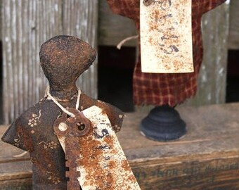 Simple Pin Keeps Primitive Doll  E Pattern