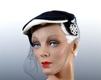 1940's Navy Straw Tilt Hat Toque with Red and White Trim - Vintage Women's Accessories