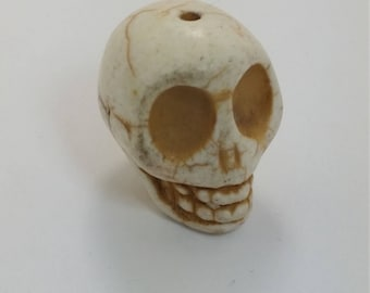 XXL Antiqued White Howlite Skull Bead
