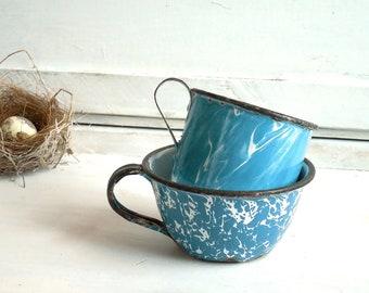 2 Blue Swirl Enamelware Cups – Vintage Farmhouse Primitive Metal Coffee or Tea Cups, Collectible Graniteware / 0738