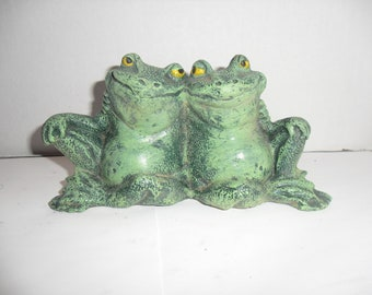 ceramic pair of frogs