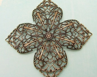 Lily Filigree Antique Gold Trinity Brass AG114