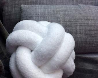 White bow pillow