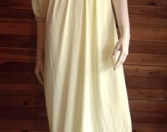 Vintage Lingerie 60s ARISTOCRAFT Yellow Size Small Nightgown