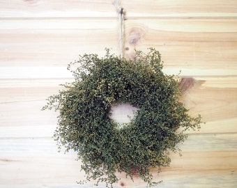 PRIMITIVE Green Herbal Sweet Annie Wreath - Small Country Farmhouse Style - Fragrant and Simple