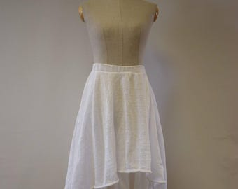 Casual Summer knitted white skirt, M size. Made of pure linen.