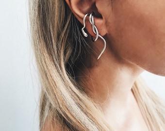 Snake ear cuff,silver ear cuff,snake ear piece,silver snake earrings,mono earring,single earring,silver ear jacket,snake suspender earring,