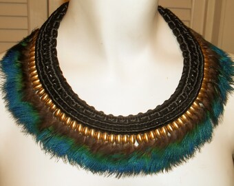 Vintage Iridescent Feather Collar and Earrings Set
