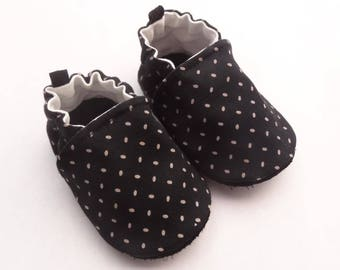 Sole leather baby shoes and black cotton top