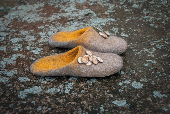 wool mules slide slippers buttons home from on slippers Warm Felted Hygge for wooden felted woolen shoes with slides Orange slip women wIgHx441q
