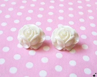 Vintage White Rose Stud Earrings - pin up, white roses, flower earrings, rockabilly, post earrings, studs, floral, jewellery