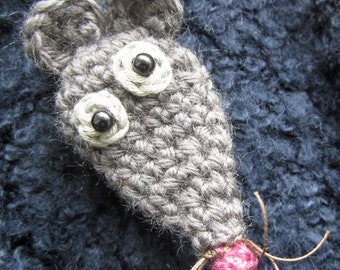 Pip the Mouse Crocheted Brooch