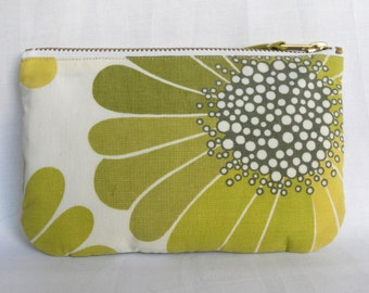SALE** Floral 1970s Style Cotton Print fabric Purse, Make Up Bag. Ipod + earphones Case, Zip Pouch. Green and Cream Flowers.