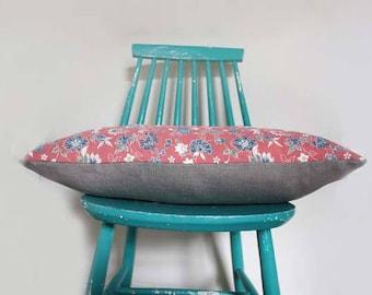 Pink kimono silk Decorative Cushion Cover. Vintage Recycled foral Kimono Silk and Linen Pillow. Size 24x16'' 40x60cm