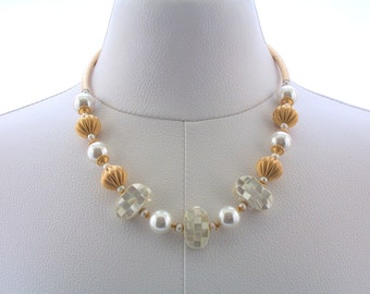 Mother of Pearl Necklace, Freshwater Pearl Necklace, Gold Necklace, Beaded Necklace, White and Gold Jewelry, Fashion Necklace