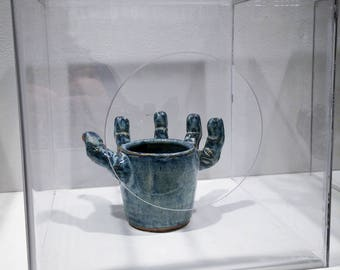 Cup Hand