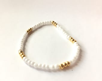Stretchy white and gold beaded anklet