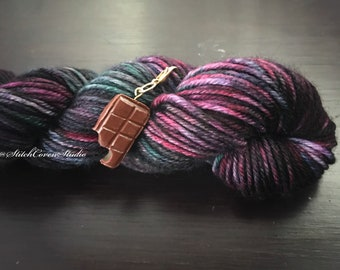 Formula 86 (mini skein) yarn and charm