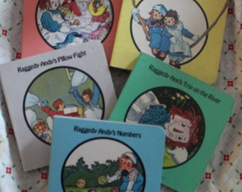 Raggedy Ann and Raggedy Andy 5 miniature books