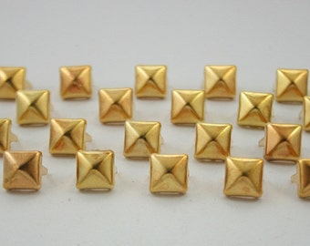 100 pcs.Antique Dark Gold Pyramid Studs Decorations Findings 8 mm. KPG8